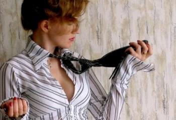 Галстук: стильный женский аксессуар