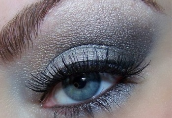 Новогодний макияж для серых глаз