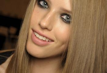 Как ухаживать за длинными прямыми волосами?