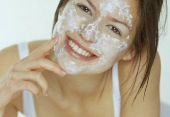 Две эффективные маски для жирной кожи лица