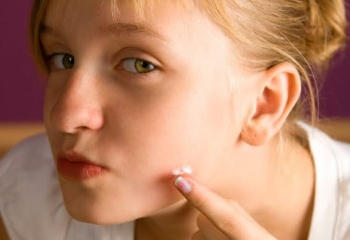Домашний уход за проблемной кожей лица