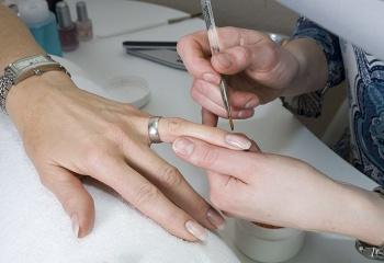 Самый безопасный способ наращивания ногтей