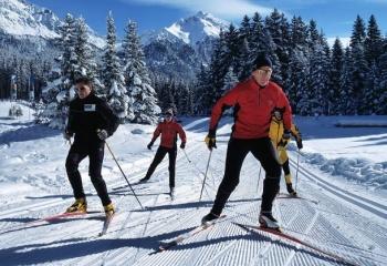Как научиться коньковому ходу на лыжах