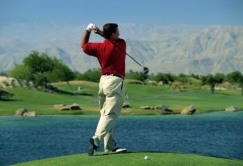 Как играть в гольф