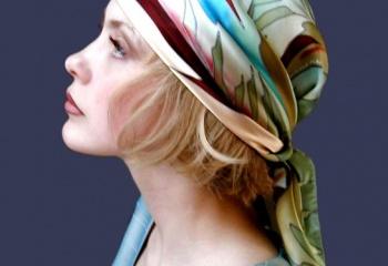 Как завязать палантин на голове
