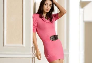 Платье-футляр: основа женского гардероба