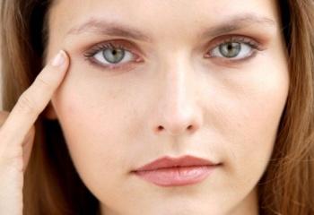 Как избавиться от морщинок под глазами