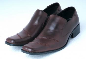 Как чистить кожаную обувь
