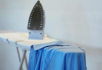 Как избавиться от блеска на одежде