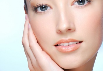 Как избежать жирного блеска кожи лица
