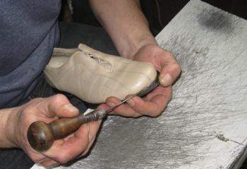 Как подшить обувь