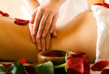 Антицеллюлитный массаж: приемы и правила