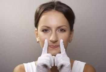 Как убрать обвисшие щеки
