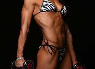 Как накачать мышцы при помощи гантелей