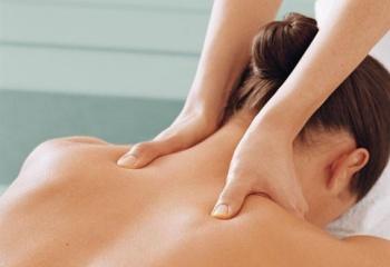 Как делать массаж плеч