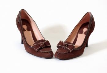 Как растянуть замшевые туфли    JustLady.ru - территория женских ... 542eac310ab