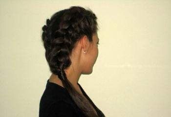 Как сделать из волос косички