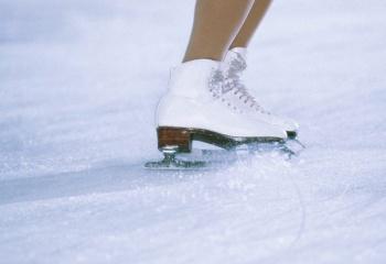 Как научиться тормозить на коньках