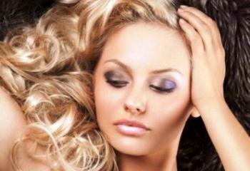 Как избавиться от шелушения кожи головы