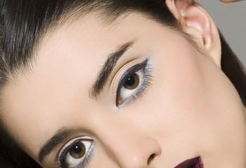 Как красить глаза брюнеткам