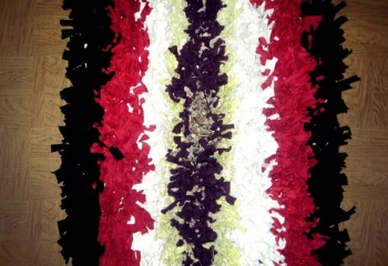 Лохматые коврики и подушки в технике «ляпочиха»