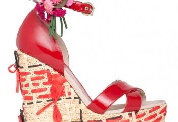 Нарядные босоножки - на пике моды