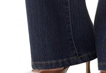 Звездный стиль: джинсы клеш