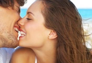 как должна вести себя девушка при знакомстве