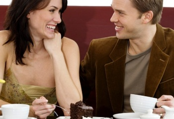 Невербальные признаки женского сексуального интереса
