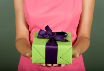 Как намекнуть мужчине на подарок