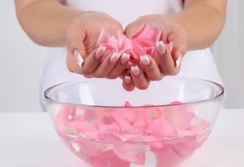 Как лечить трещины на коже рук