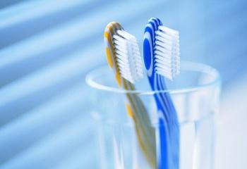 Чем зубная щётка проще, тем лучше