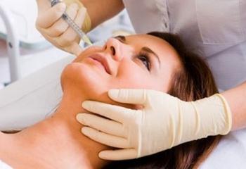 Мезотерапия: когда начинать процедуры