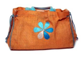 Лучшие сумки и клатчи этого лета