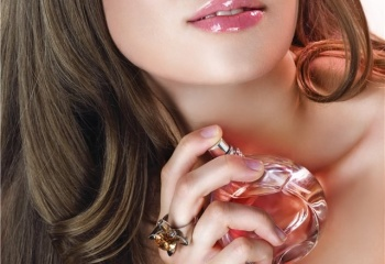Женские секреты: как наносить духи, чтобы благоухать весь день