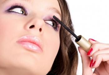 Выбор косметики для чувствительной кожи глаз
