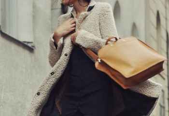 Подбираем аксессуары к осеннему пальто