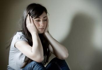 Чем вызвана депрессия у девочек-подростков