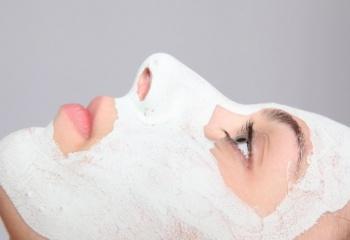 Кефирная питательная маска для лица