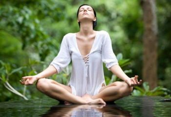 Йога для начинающих: самые первые асаны