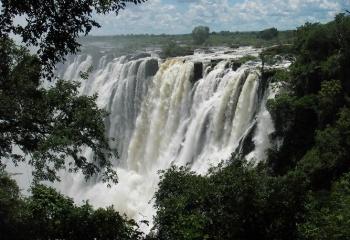 Время увлекательных поездок по самым известным водопадам
