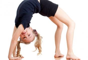 """Гимнастическое упражнение """"мостик"""": как научиться делать дома"""