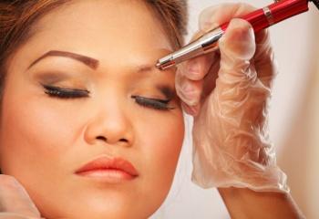 Причины прекращения роста бровей. Боремся и используем методы современной косметологии правильно
