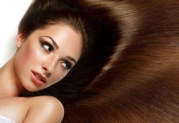 Выпрямление вьющихся волос: виды, способы, средства