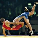 Распространенный вид спорта - борьба